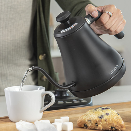 Leak-Proof   The kettle's design helps prevent leaks so you can boil and pour without any added mess.