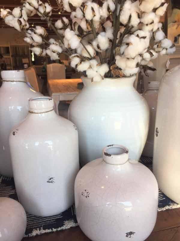 white_vases.jpg