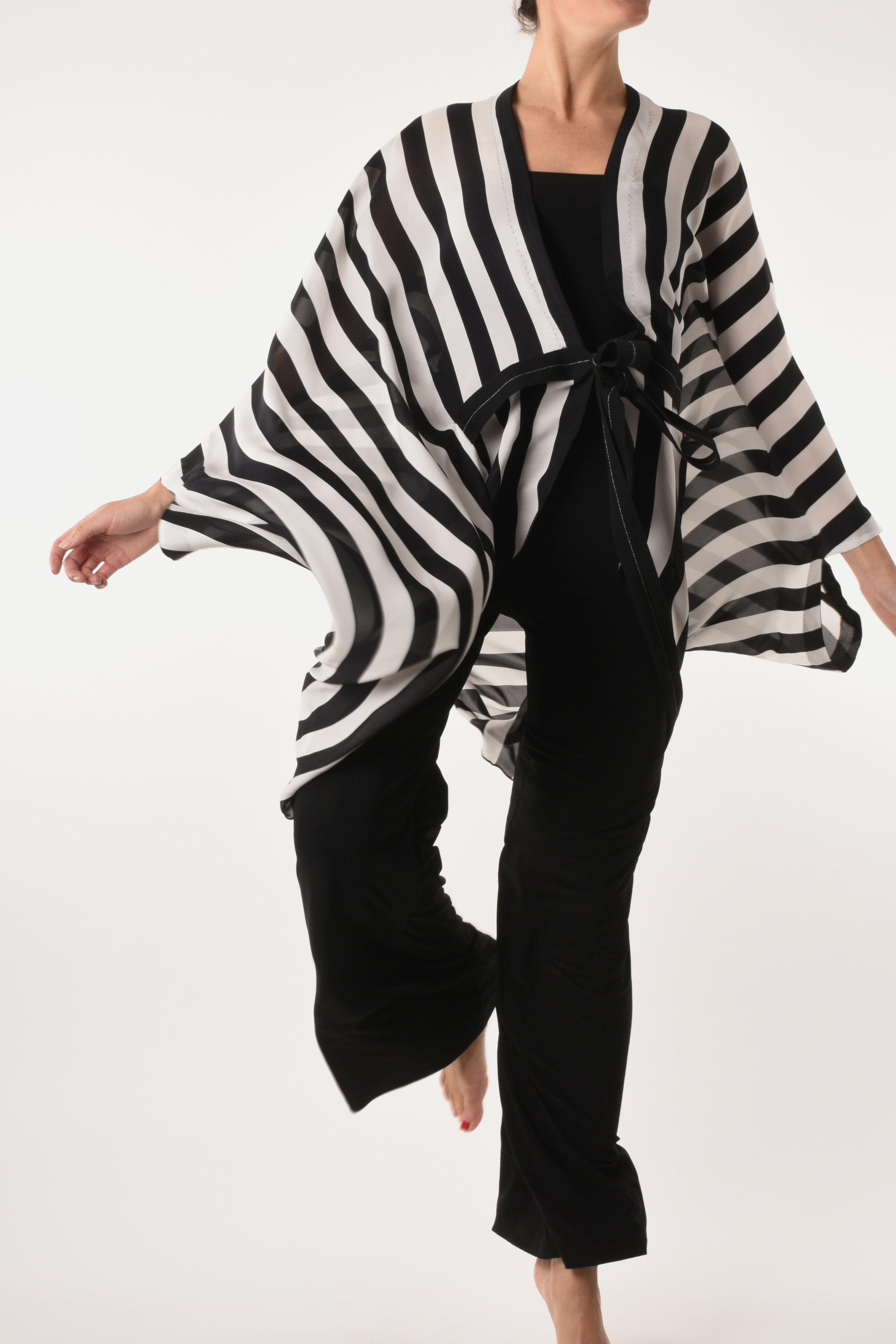 VENICE BLACK & WHITE $345 -