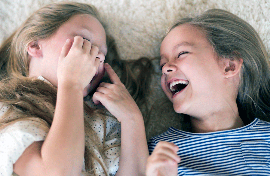 FAMILYCan't-stop-laughing-when-they-are-together-000083937597_Large.png
