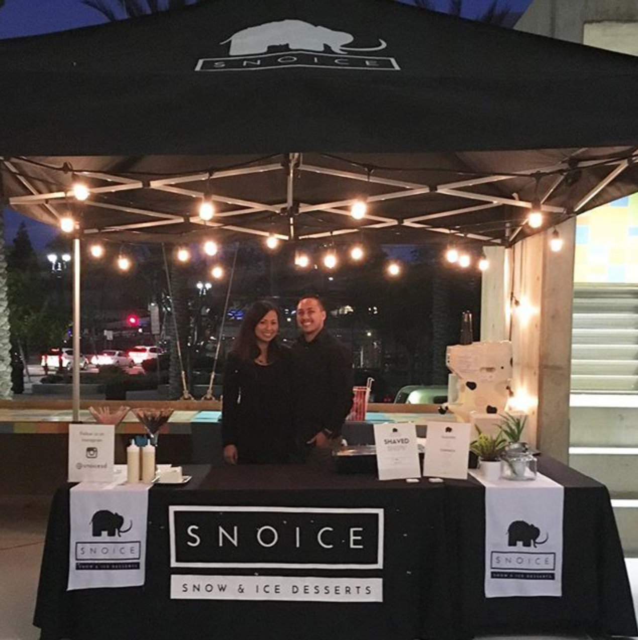 (1/2) Here's a canopy set-up we had when we served shaved snow at a wedding in early 2016.