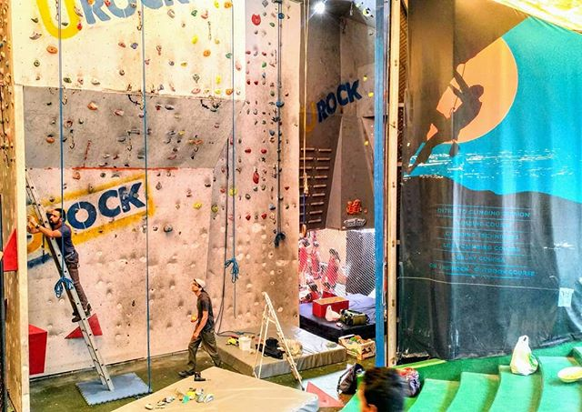 Preparing for tomorrow's bouldering competition!! @malek_climbing  @urockclimbing • • • • • A very big thank you to all our sponsors for their amazing prizes!! -- Shogun Outdoor -- Tech Sport @trapeze_climbing_rings @urockclimbing • • • • #boulder #bouldering #competition #bouldercompetition #lebanonsports #livelovesports #lebanon🇱🇧 #climbing_lovers #climbingworldwide