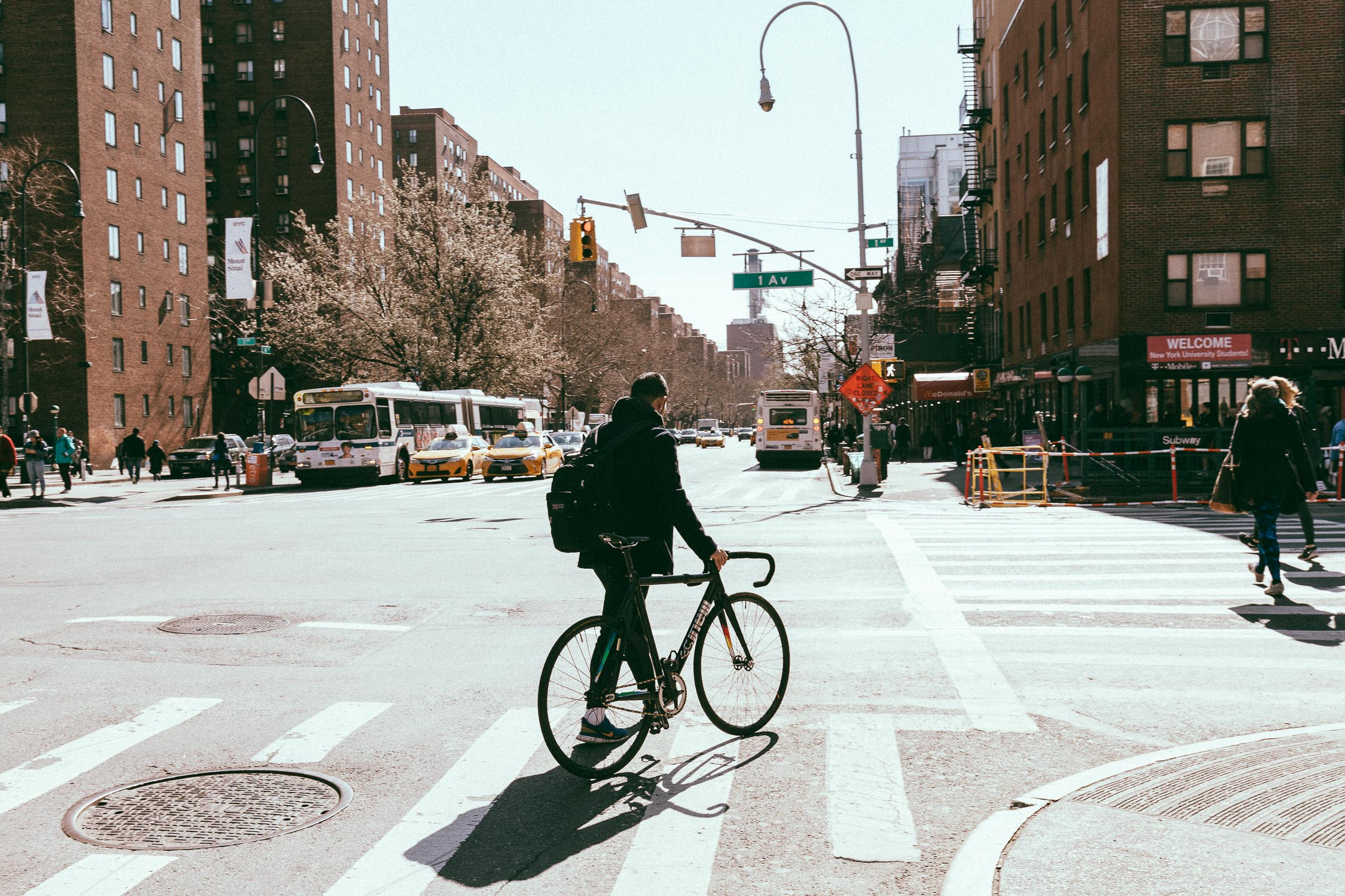 New York Soho fixed bicycle curier hipster