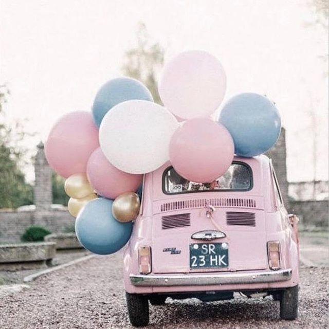 Driving into Monday morning 🎈