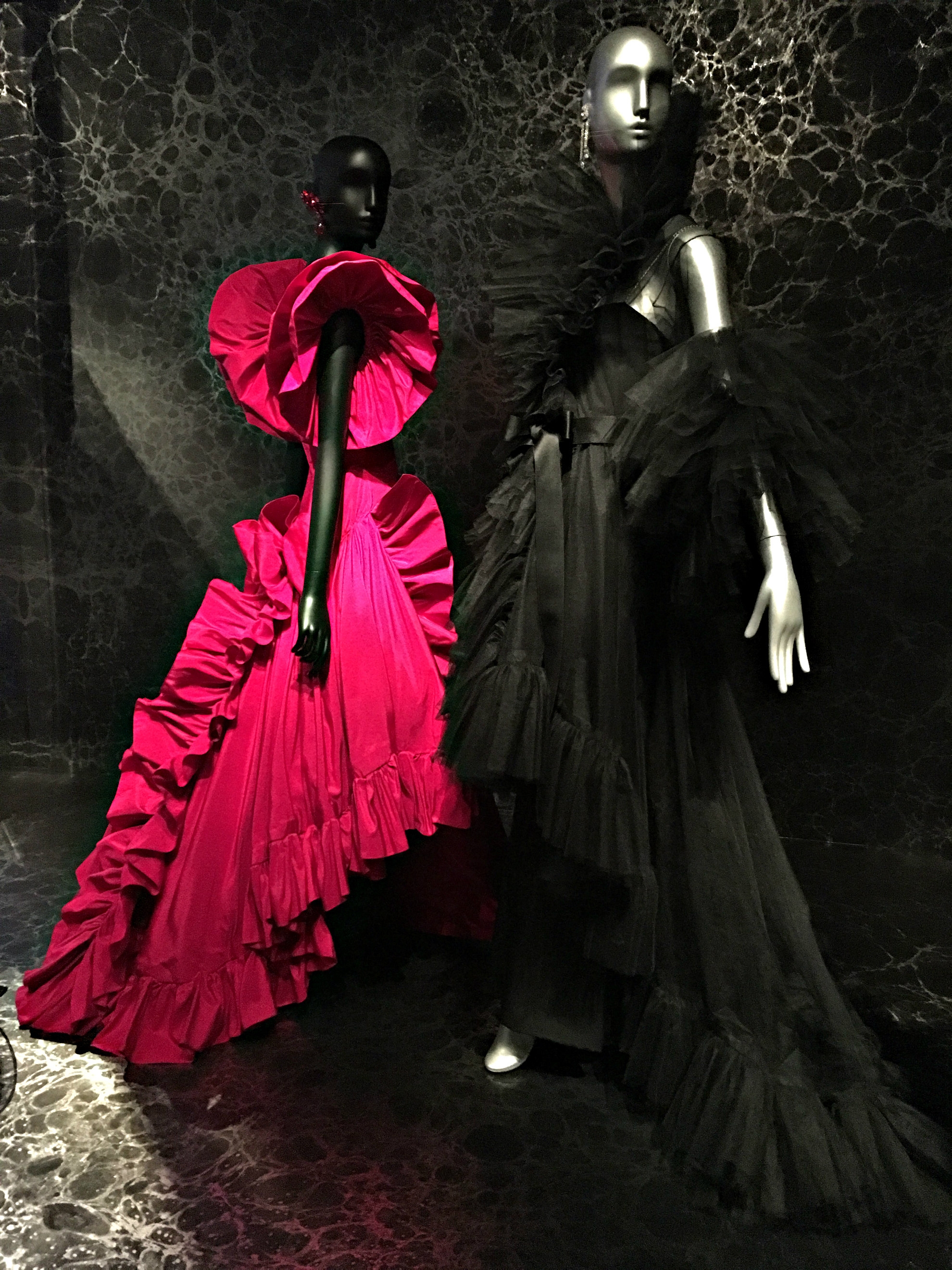 jacqueline-de-ribes-black-and-pink-gowns.jpg