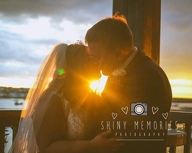 Amazing light and amazing couple at the deganwy Quays.  #shinymemories #northwalesweddingphotographer #northwalesweddingphotohraphy #sonyalpha #50mm #sunset