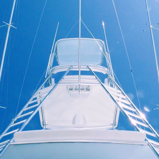 Stairway to heaven #garlingtonyachts #61 #flybridge #tower #sportfishing #beautifulday