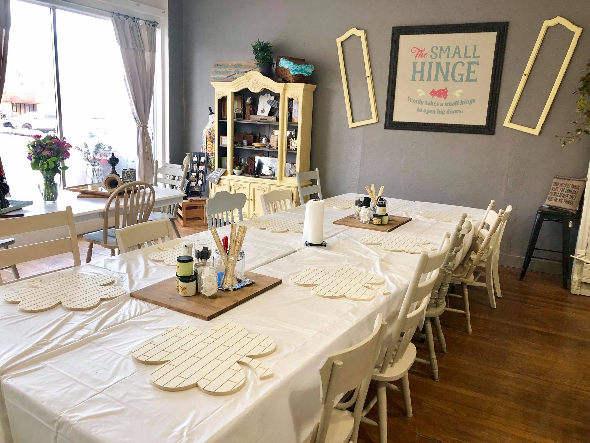 Book a Private Creative Party    Book your private creative party today! You can choose from one of our past projects or we can customize one for your group. Price varies based on project.    For more details - please message us on Facebook    HERE    or call 913-667-3323