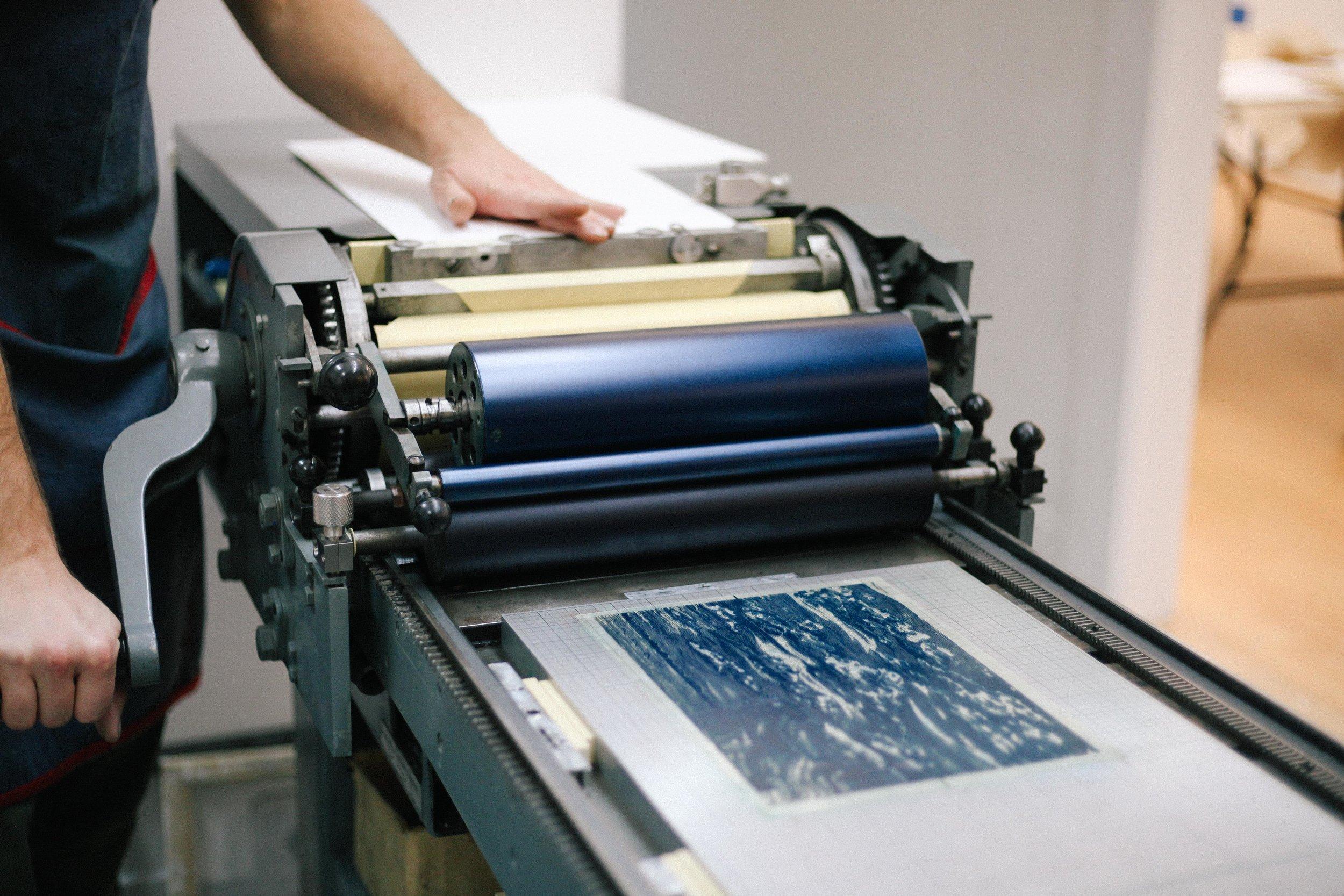 Letterpress printing workshops on vandercook proof press