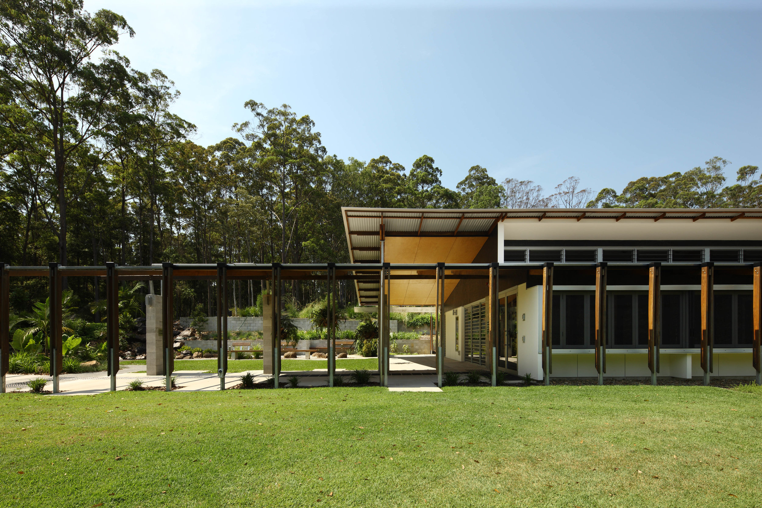Maroochy-Botanic-Gardens-Guymer-Bailey-Architects-05.jpg