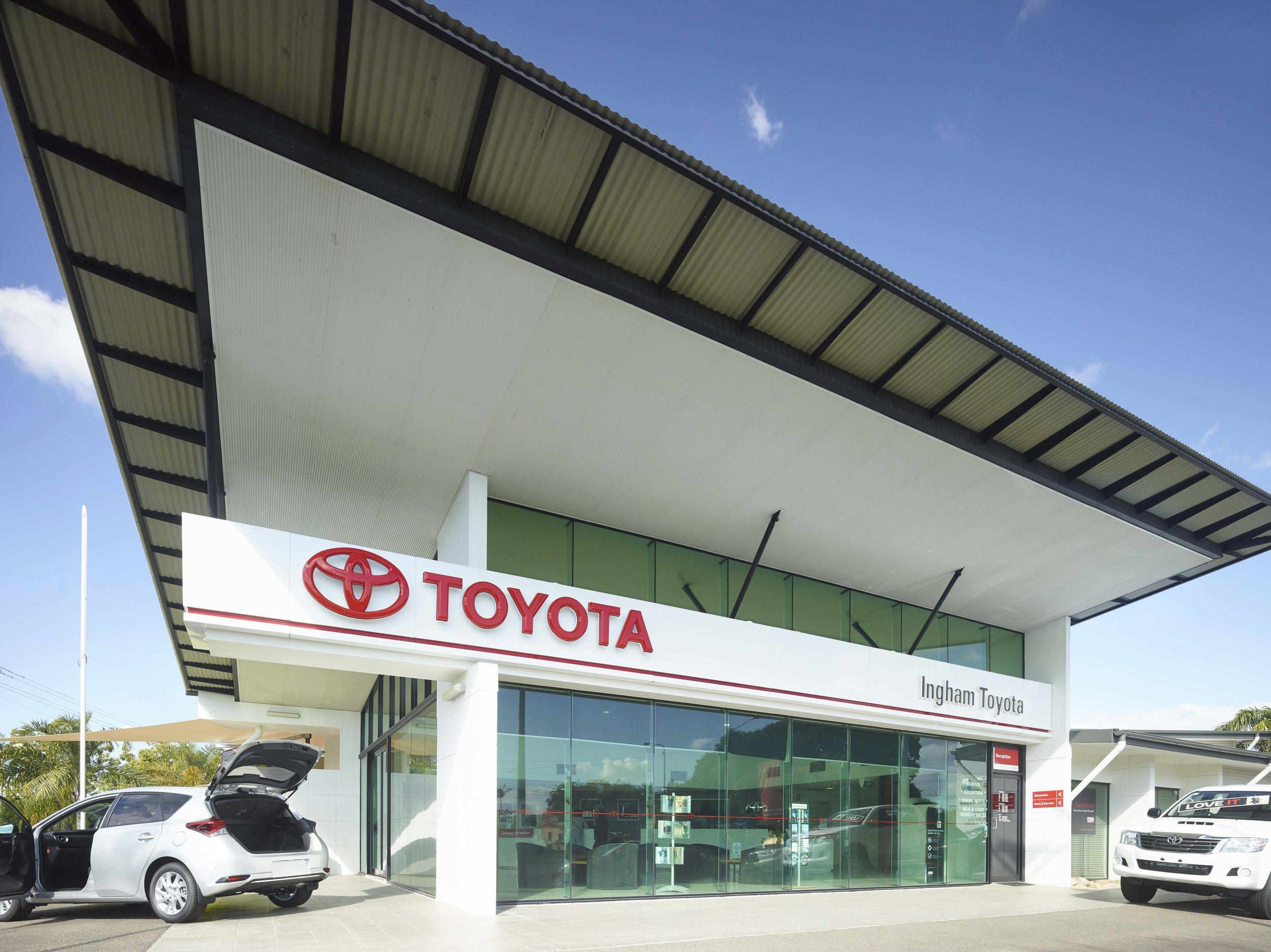 Guymer-bailey-architects-Toyota-Ingham-01.jpg