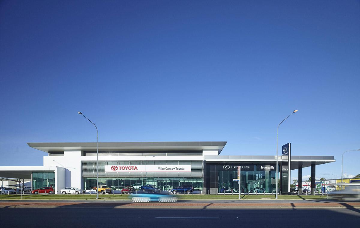 Guymer-bailey-architects-Townsville-Toyota-02.jpg
