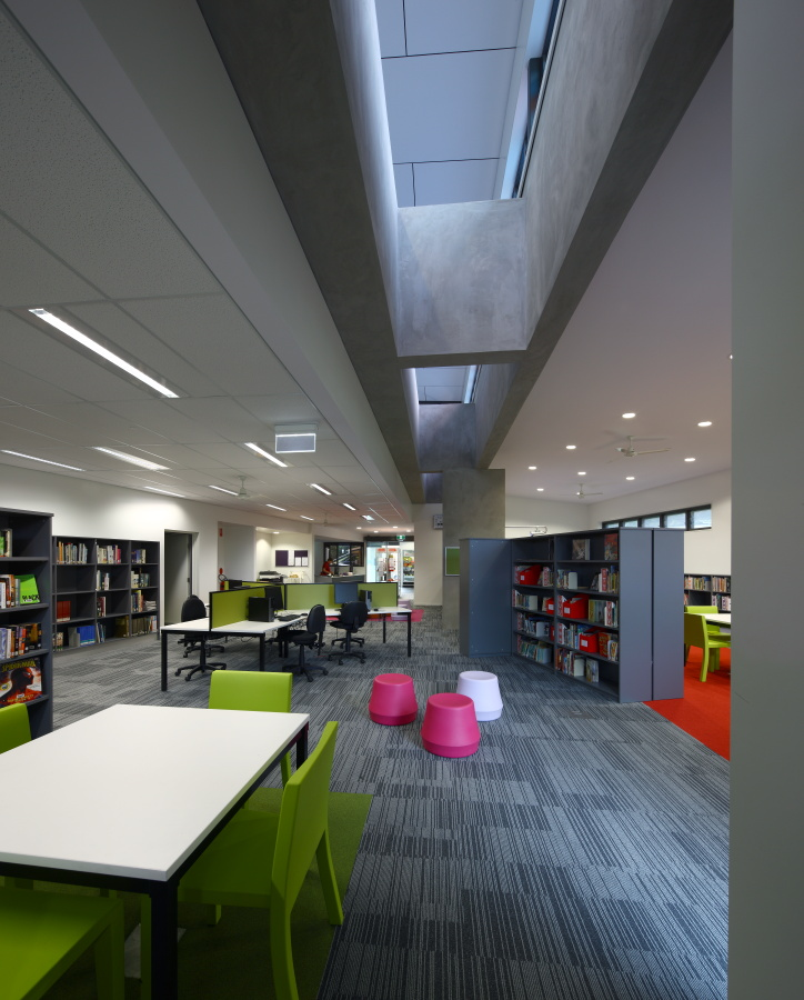 Caloundra-College-Library-Guymer-Bailey-Architects-06.JPG