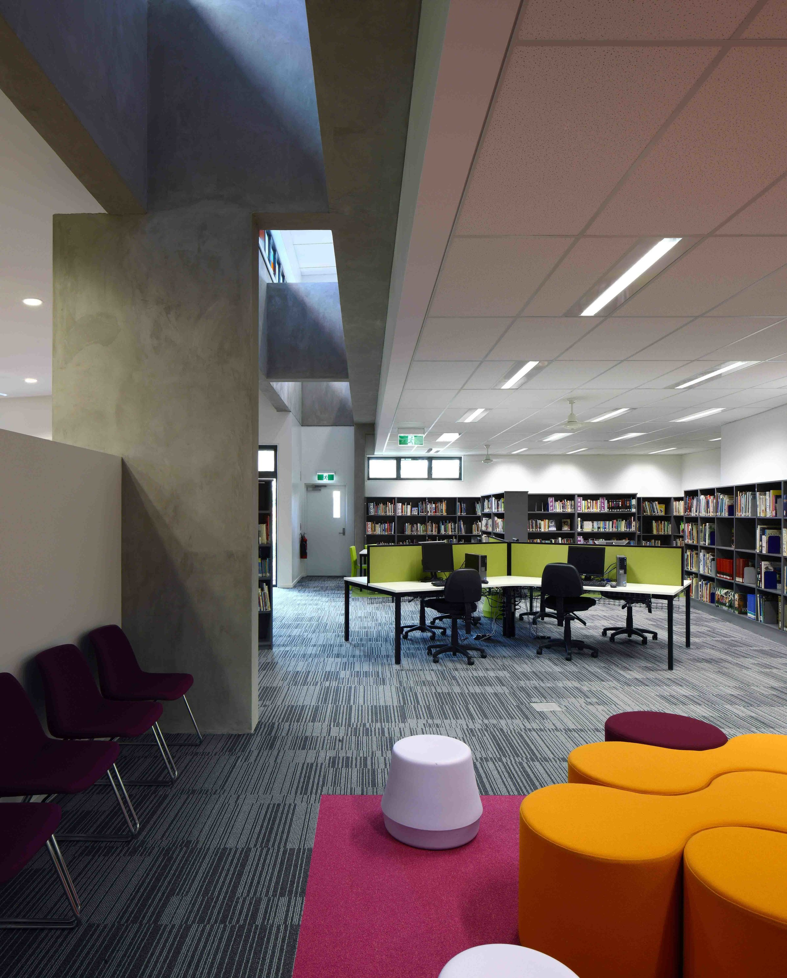 Caloundra-College-Library-Guymer-Bailey-Architects-07.jpg