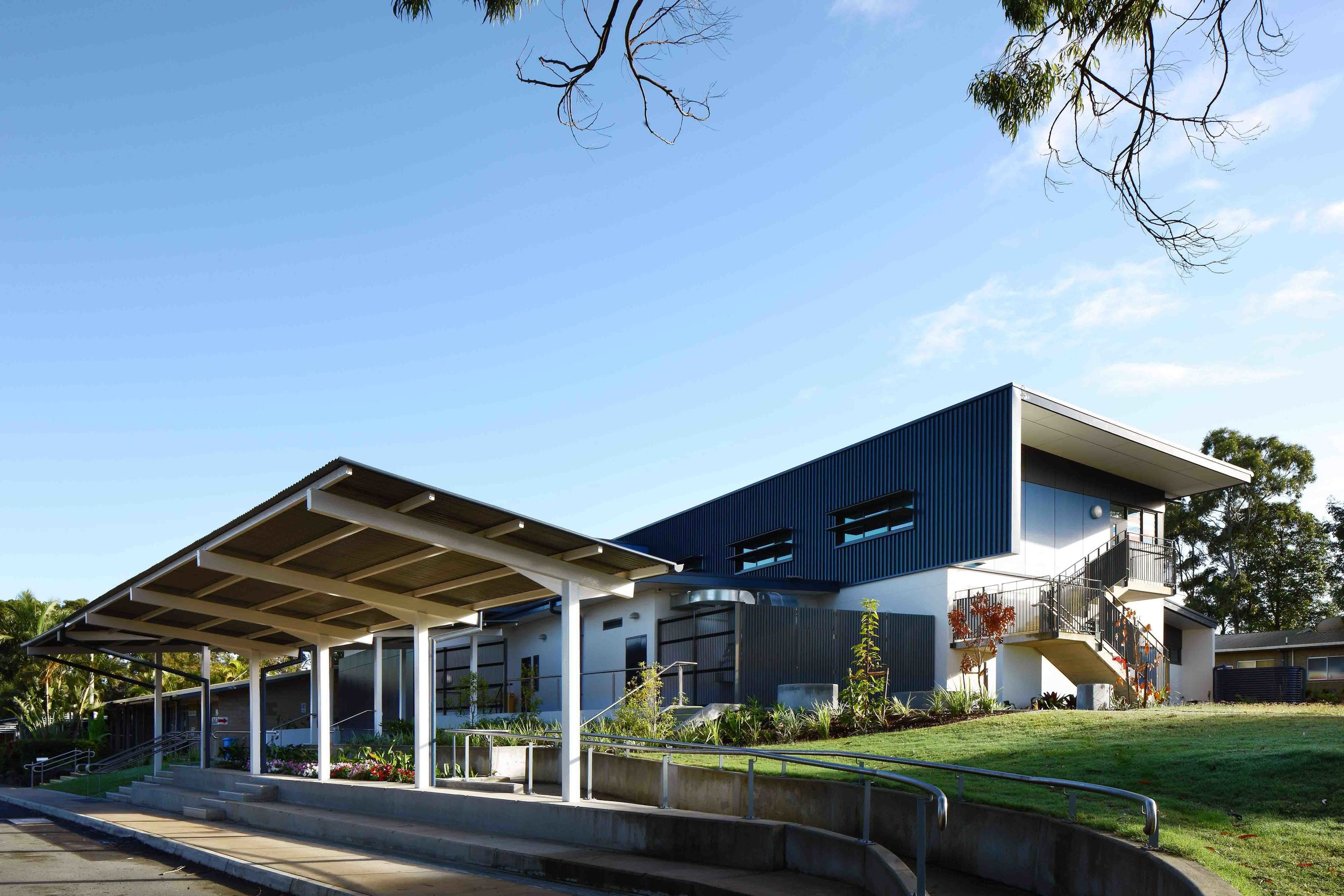 Caloundra-College-Library-Guymer-Bailey-Architects-01.jpg