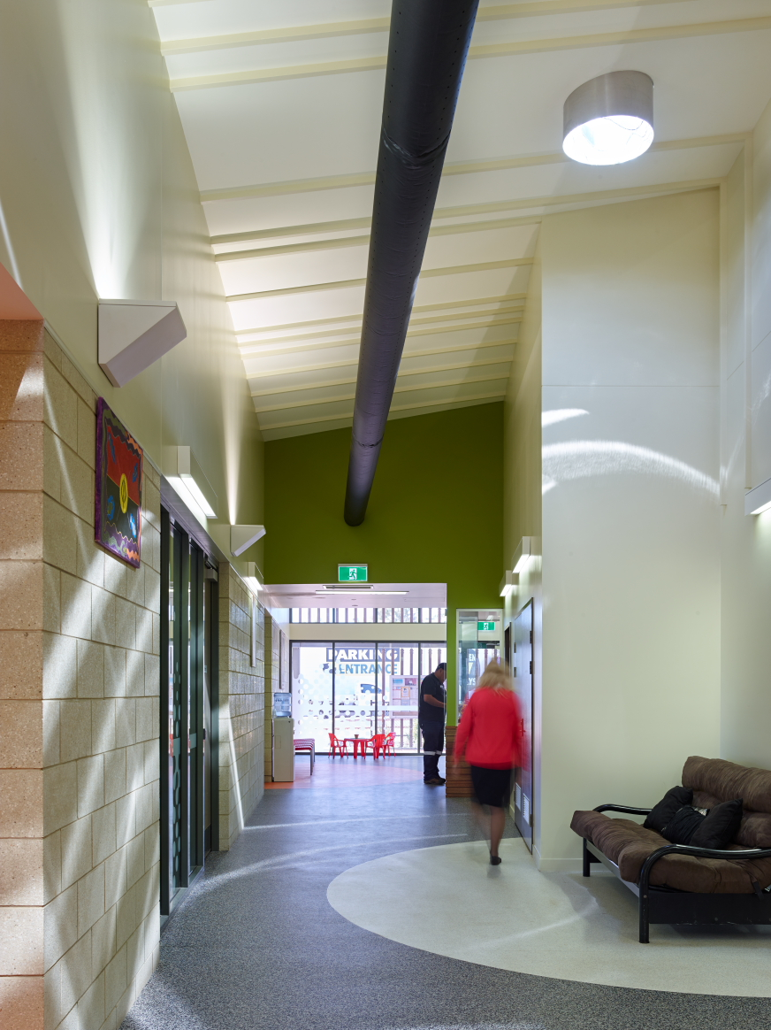 Mt-Isa-Community-Centre-Guymer-Bailey-Architects-08.JPG