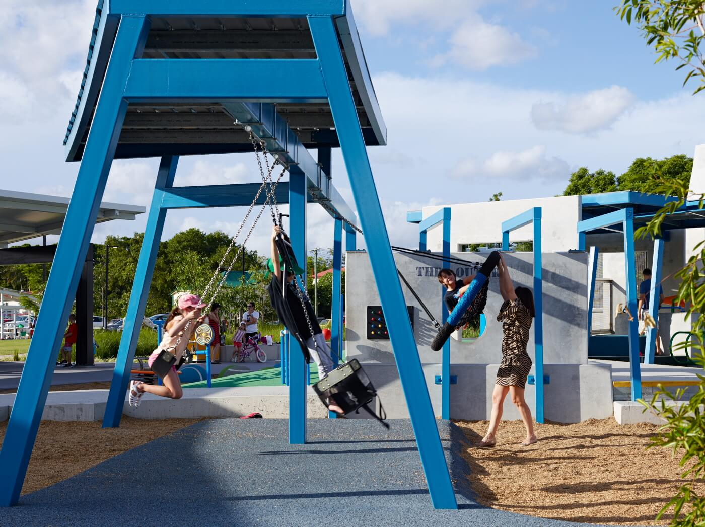 Frew-park-arena-playground-guymer-bailey-08.JPG