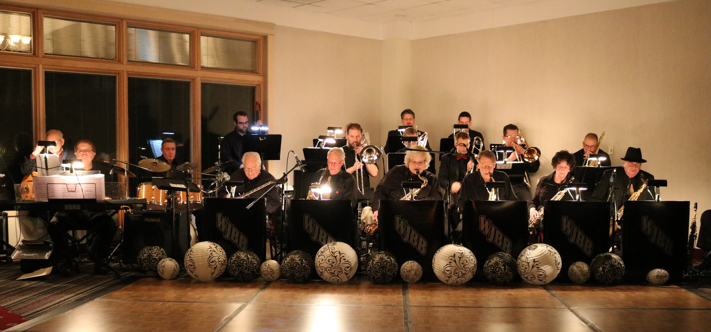 The Windjammers Big Band provided fantastic entertainment for drinking....