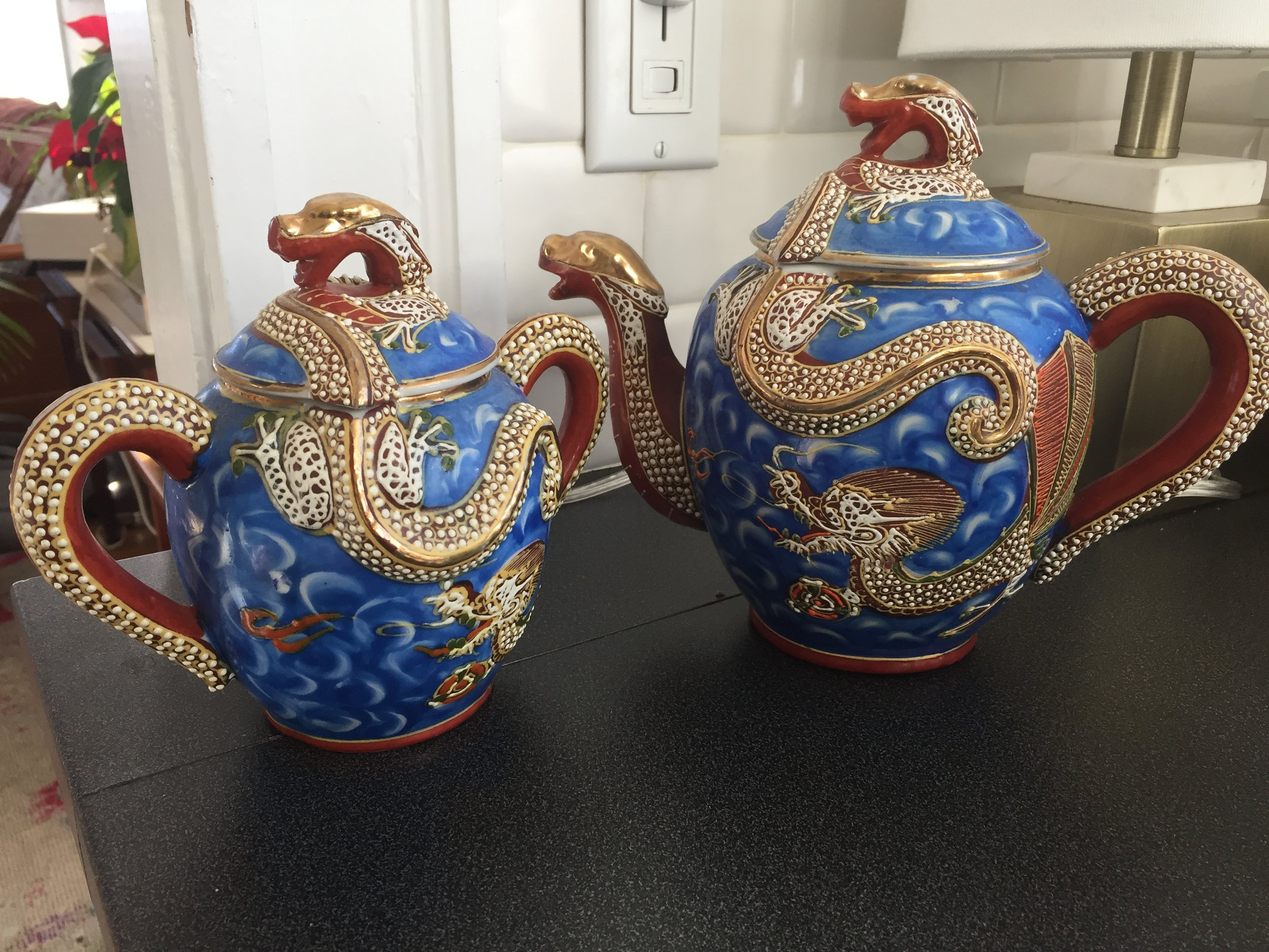 I spotted a this full dragon tea set at a consignment shop for a song.