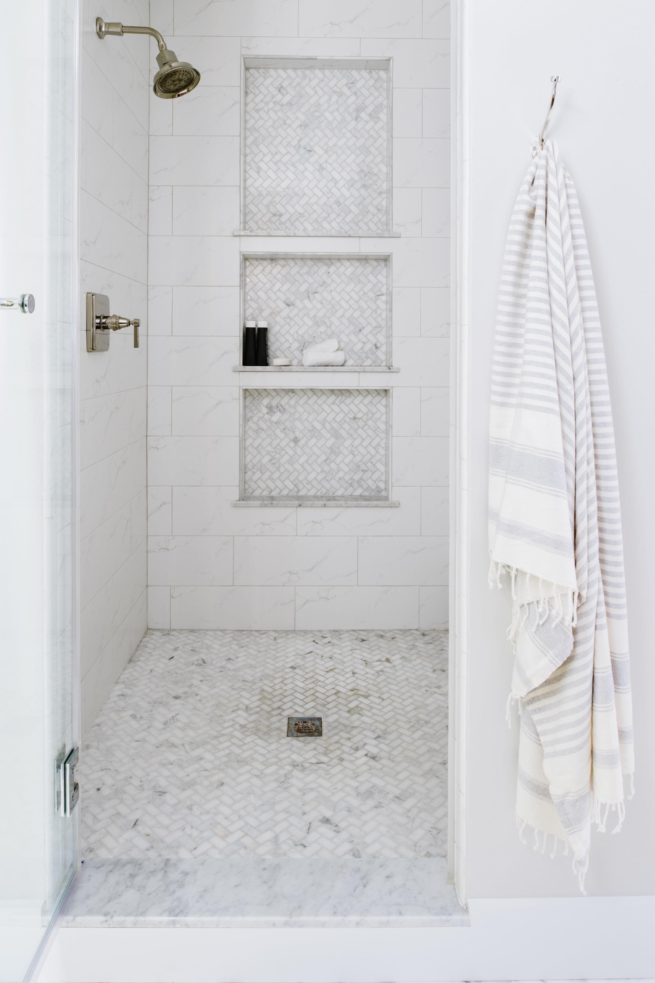 Design: Alison Giese Interiors :: Photo:  Robert Radifera