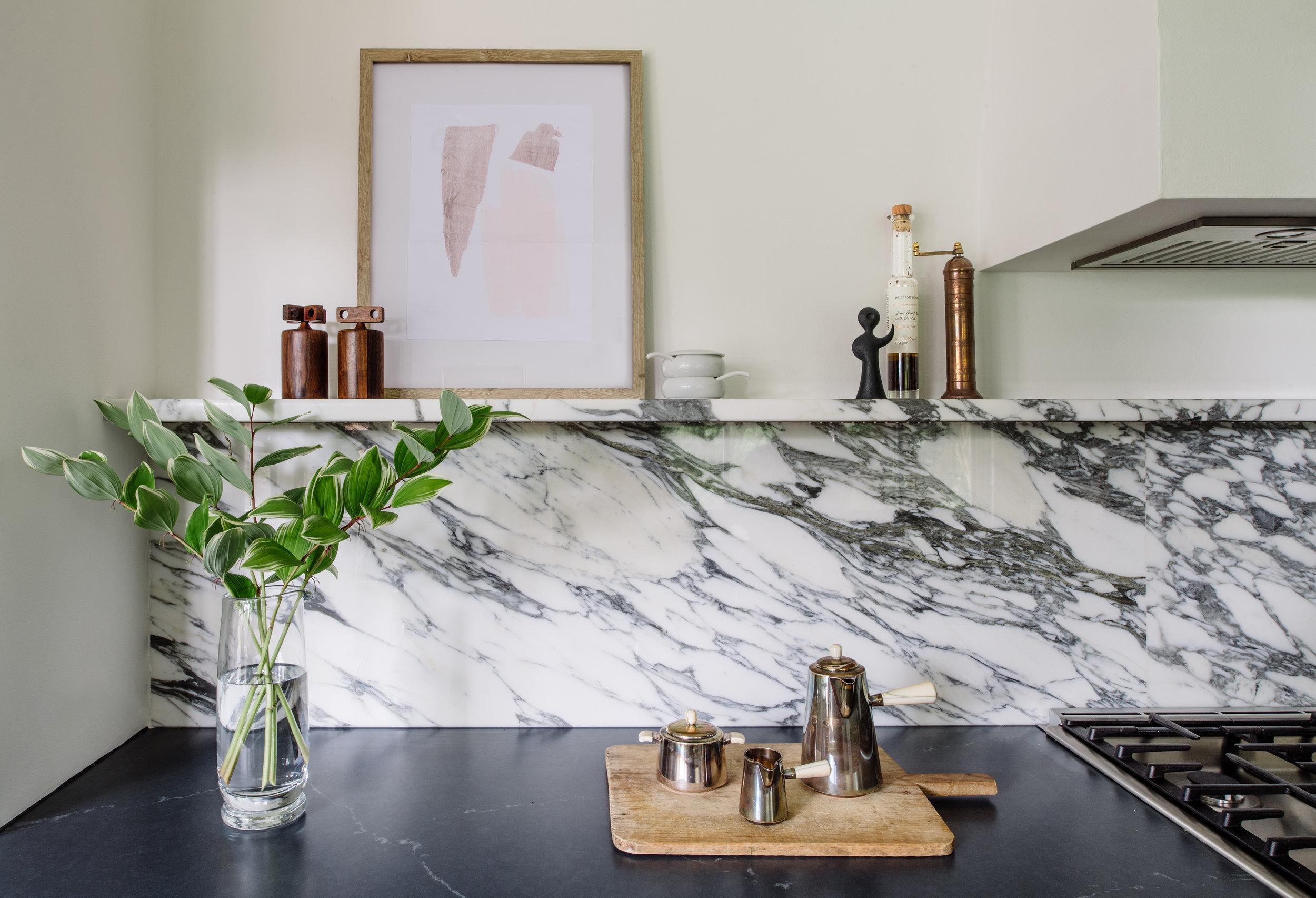 calacatta vagli marble backsplash