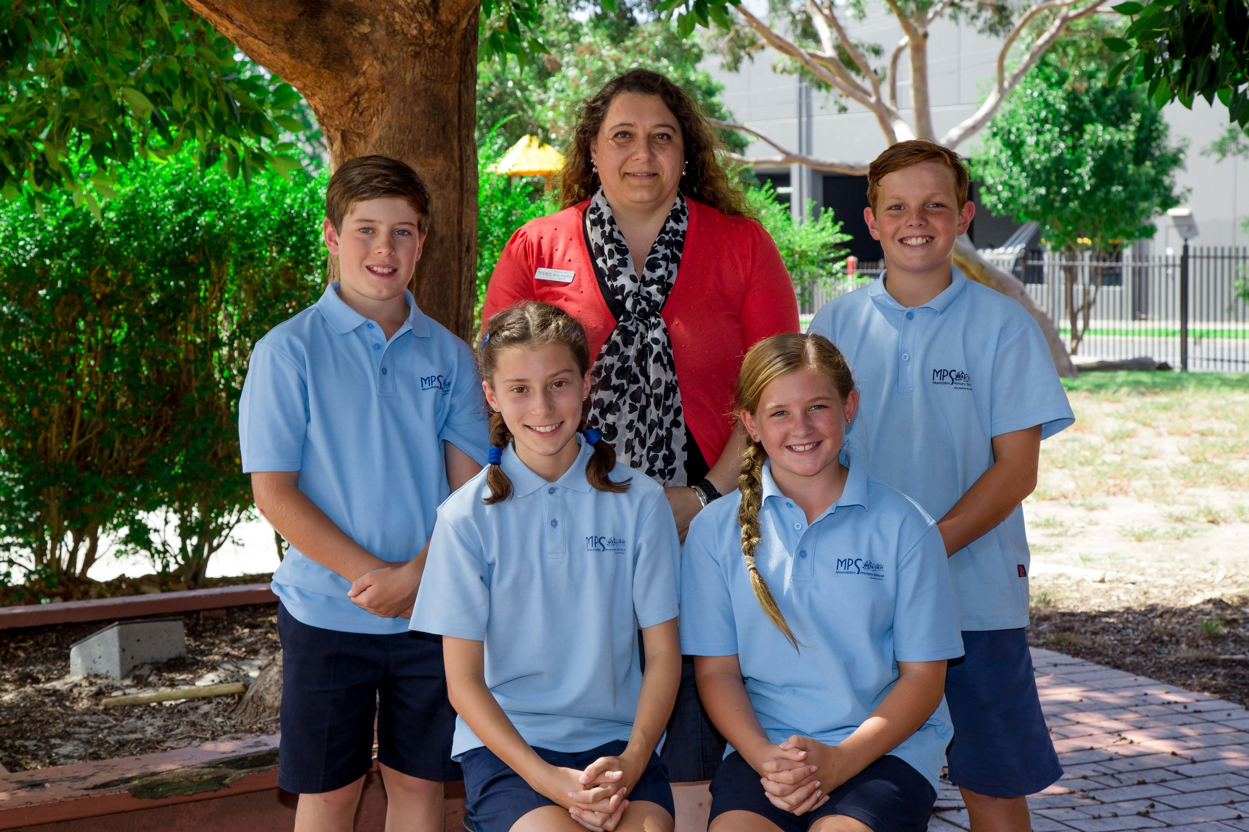 School and Vice Captains with Principle-G-15253-IMG_1387.jpg
