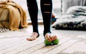 Biohack #1 -Barefoot release to improve your balance  -