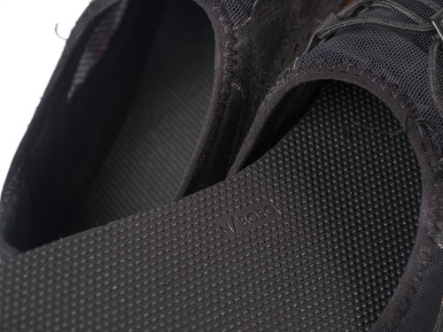 -  Textured Insoles Tune the Foot to Noise