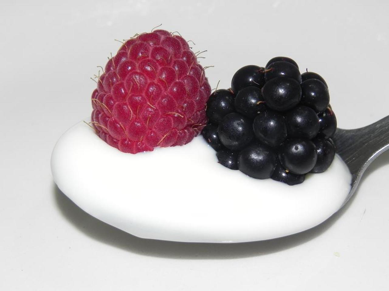 Plain yogurt with Berries -  PixelBay