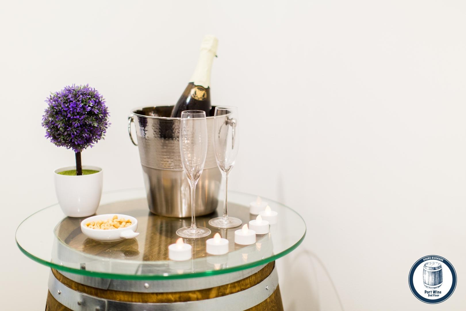 23. Douro Riverside - Port Wine (Welcome Kit 2).jpg
