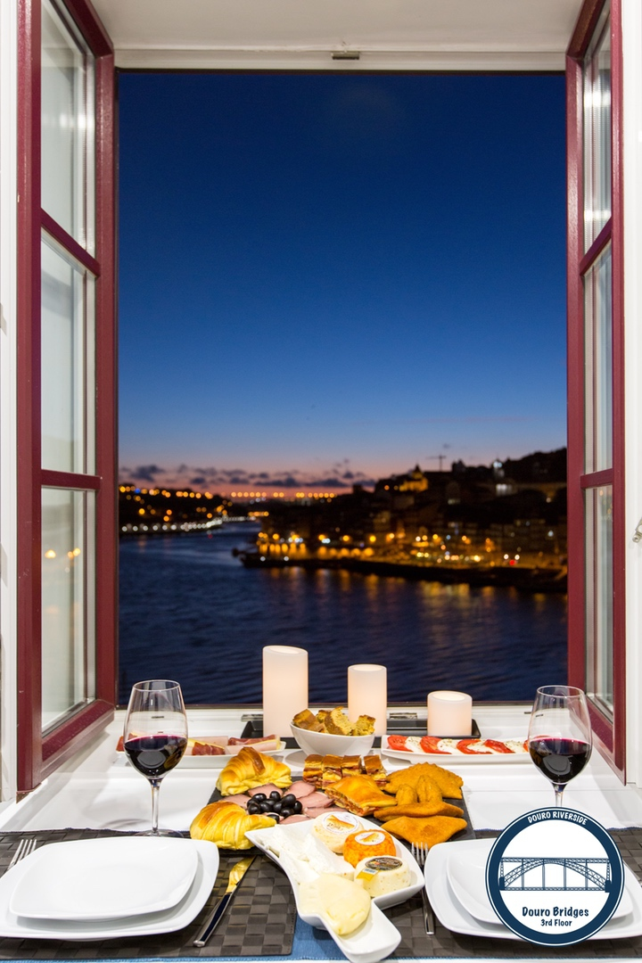 16. Douro Riverside - Douro Bridges (View Late Dinner).jpg