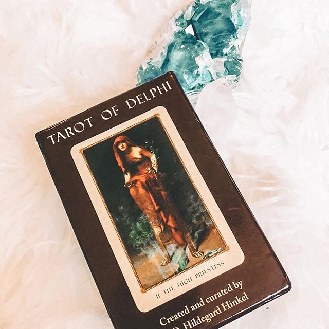 The tarot of Delphi 🕊 . Currently looking for this beautiful deck as an upcoming birthday gift to self 💕 if anyone is selling theirs onwards please let me know! I will give it a very loving home 🙏 . . . . . #tarots #tarot #tarottribe #tarotcommunity #tarotista #tarocchi #tarotdecks #taroteverydamnday #tarotcards #tarotspreads #tarotlove #cartomancy #sorciere #tarocchi #thewitchyclub #witchessociety #raw_flatlays #tarotofdelphi #antique_r_us #slowliving_ #whywhiteworks #still_life_gallery #aquitestyle #livemoremagic #details_mania__ #alliseeispretty