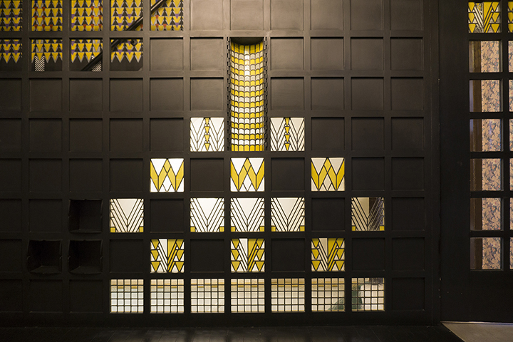 MACKINTOSH MAGIC AT 78 DERNGATE  -