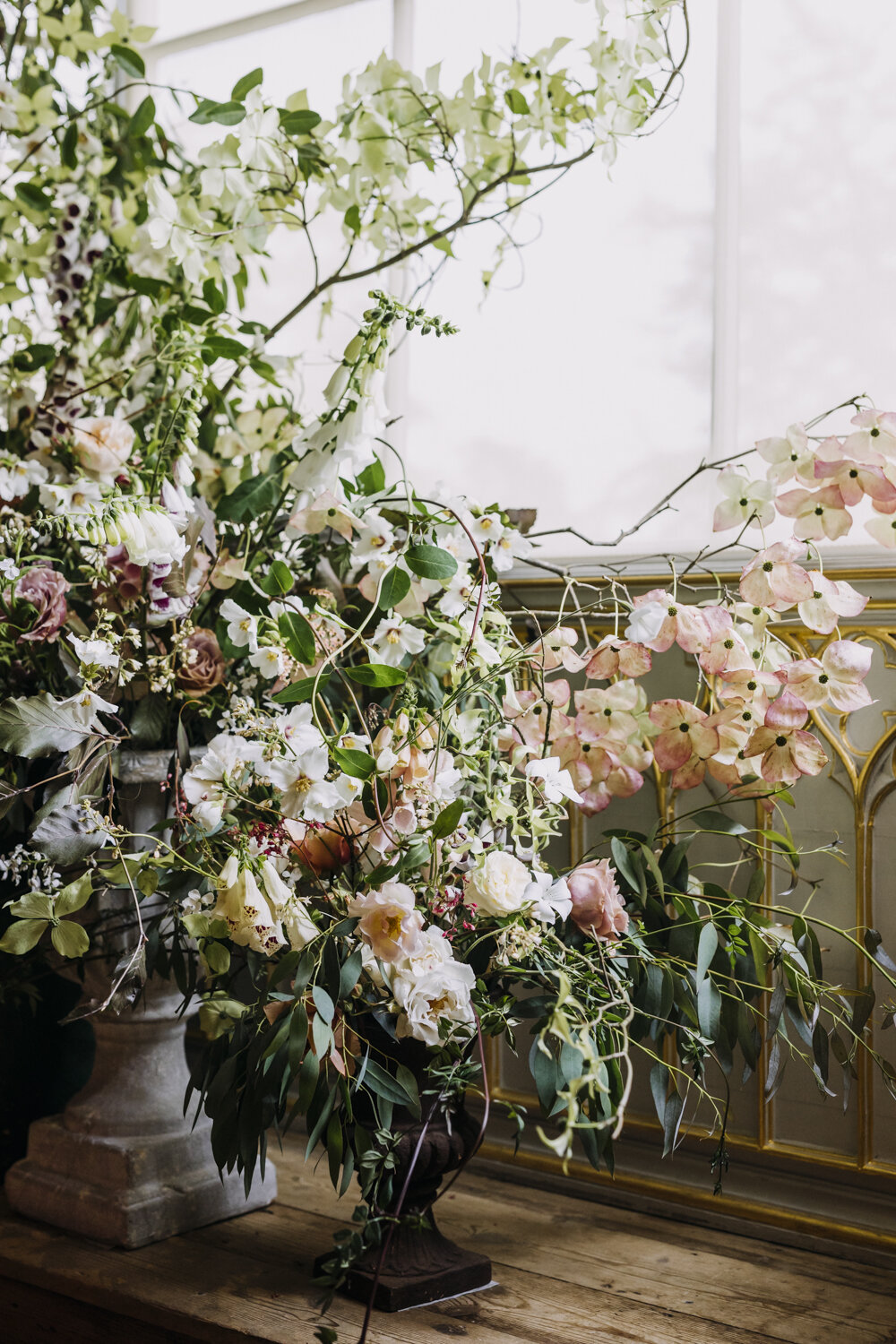Flowers by Holly Bee Flowers  Photo by Eva Nemeth