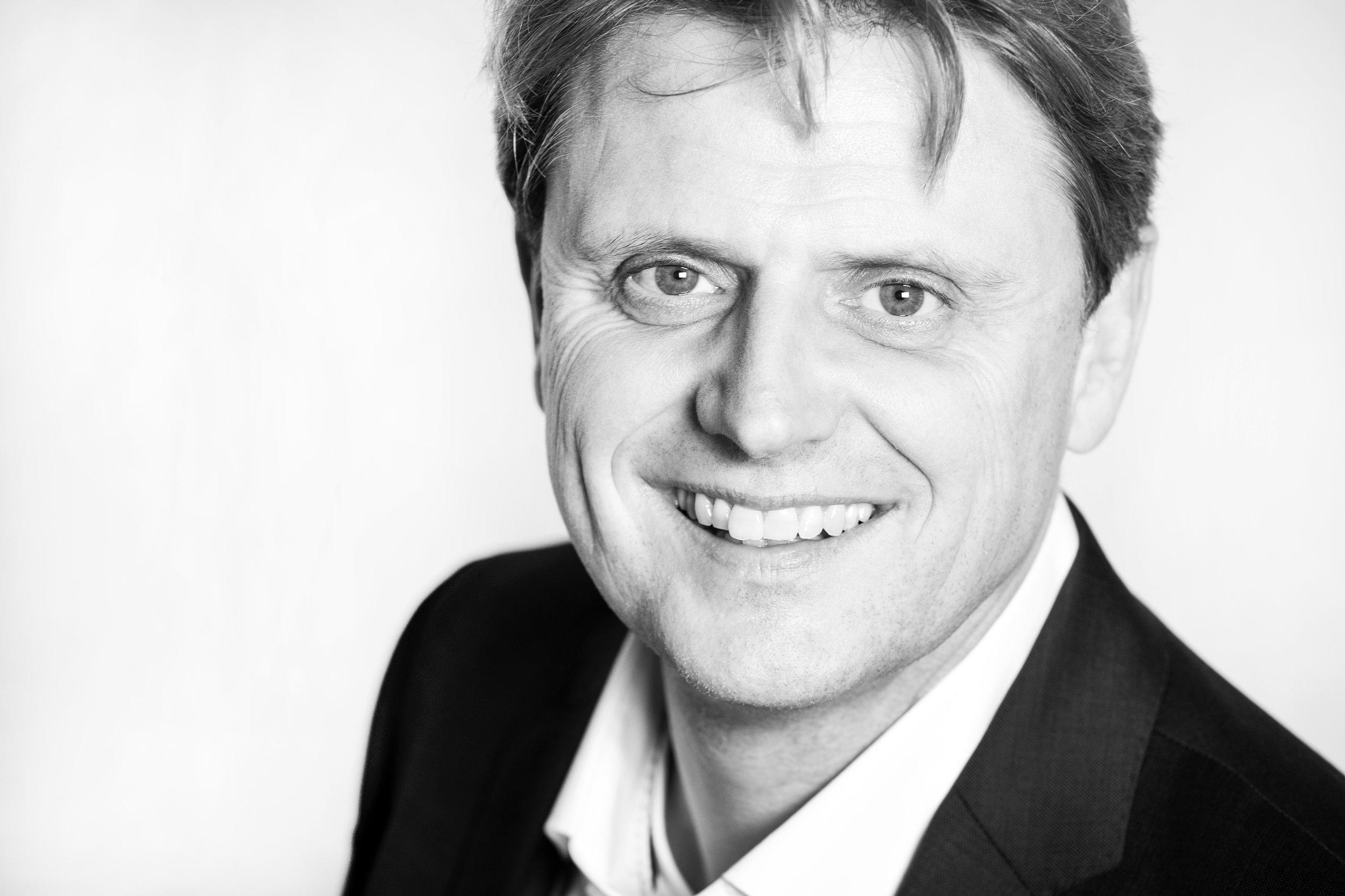 Schwarz-Weiß-Porträt Michael Neu