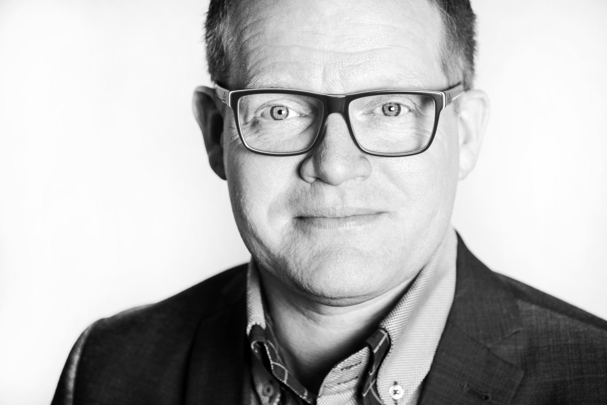 Schwarz-Weiß-Porträt Lars Nockemann