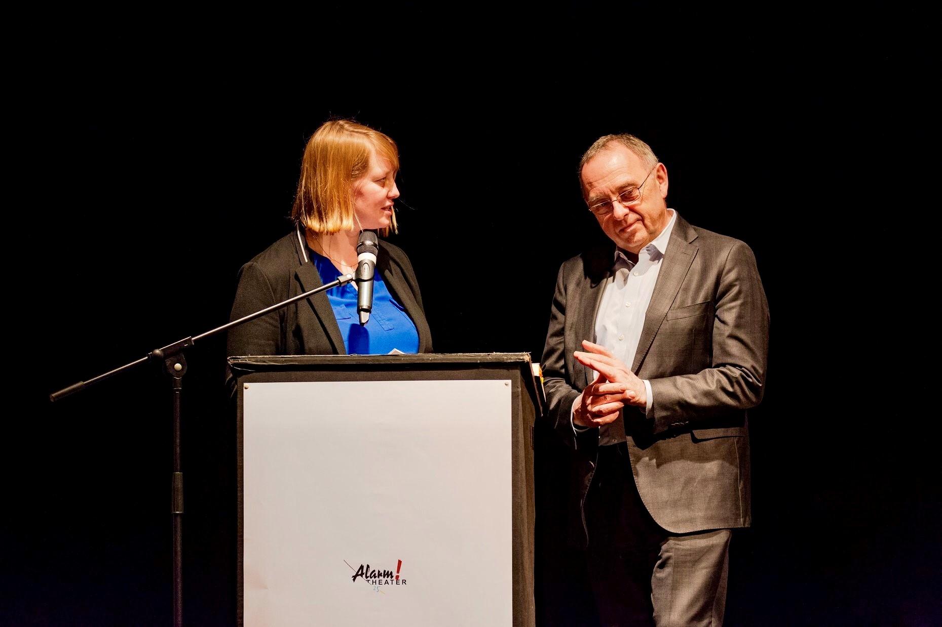 Wiebke Esdar (Vositzende SPD Bielefeld) und Norbert Walter-Borjans (ehem. NRW-Finanzminister)