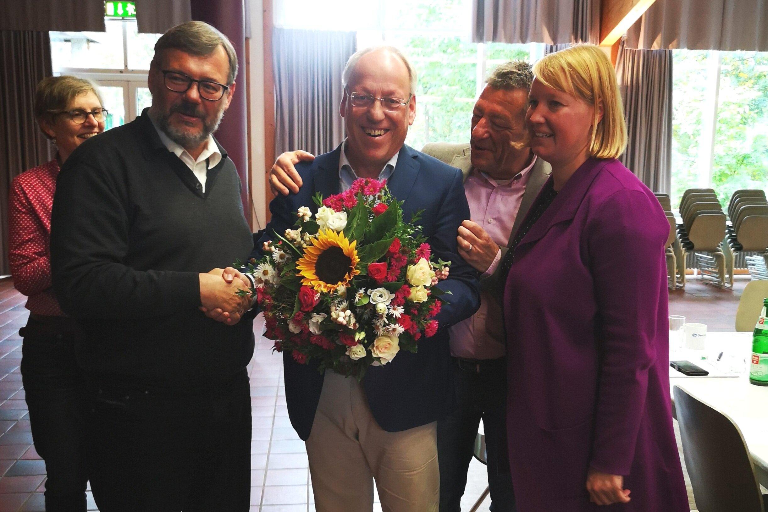 (v.l.) Regina kopp-Herr MdL, Georg Fortmeier MdL, Pit Clausen OB, Thomas Sopp, Wiebke Esdar MdB