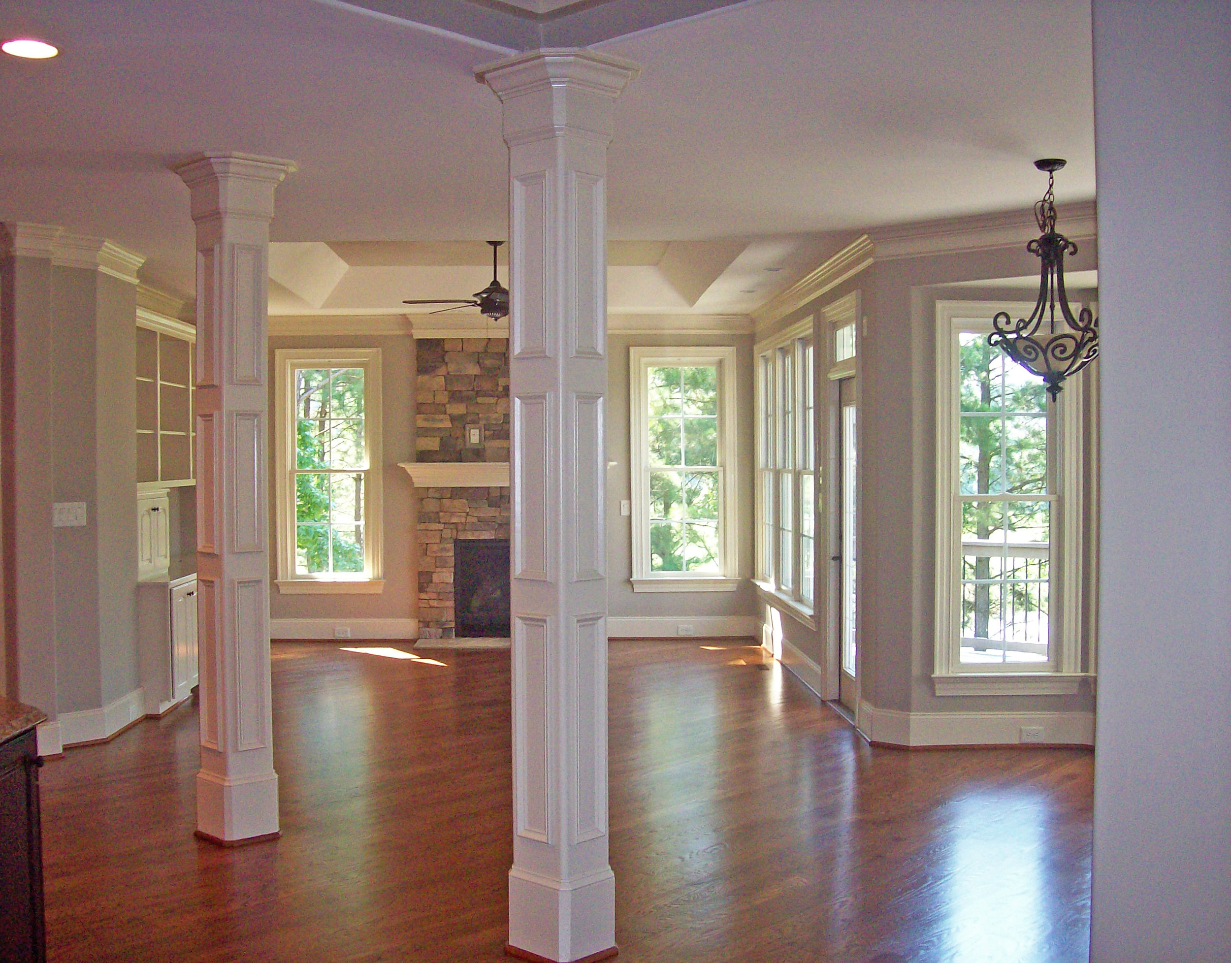 Recessed Columns with Crown