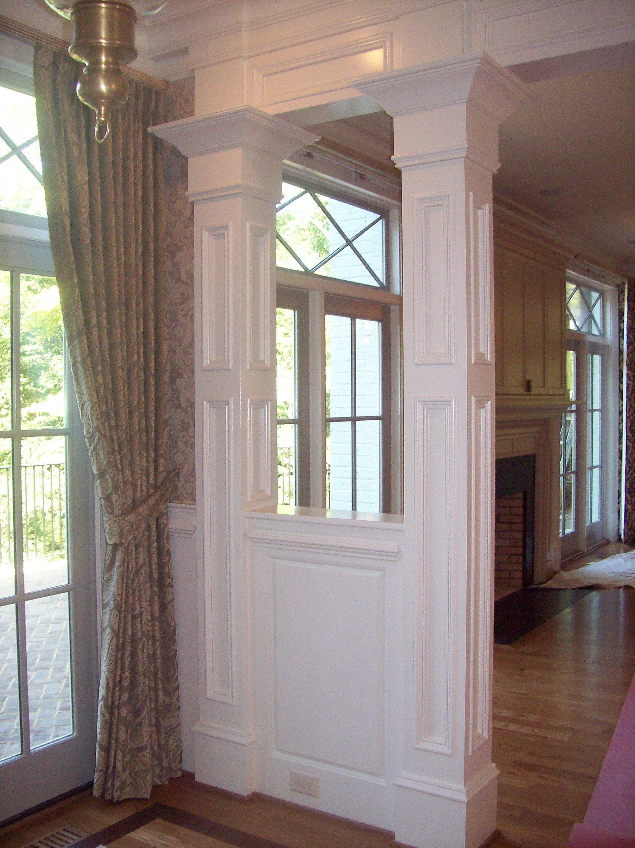 Double Entryway Columns with Crown