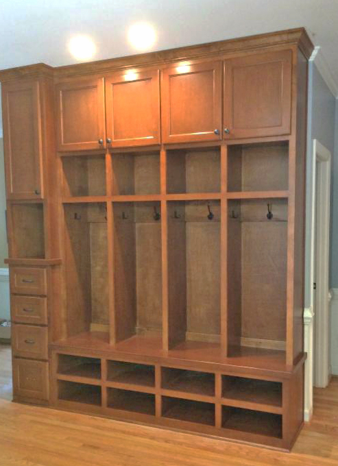 Mud Bench Locker Style with Shaker Doors & Drawers, Open Cubbies, and Crown