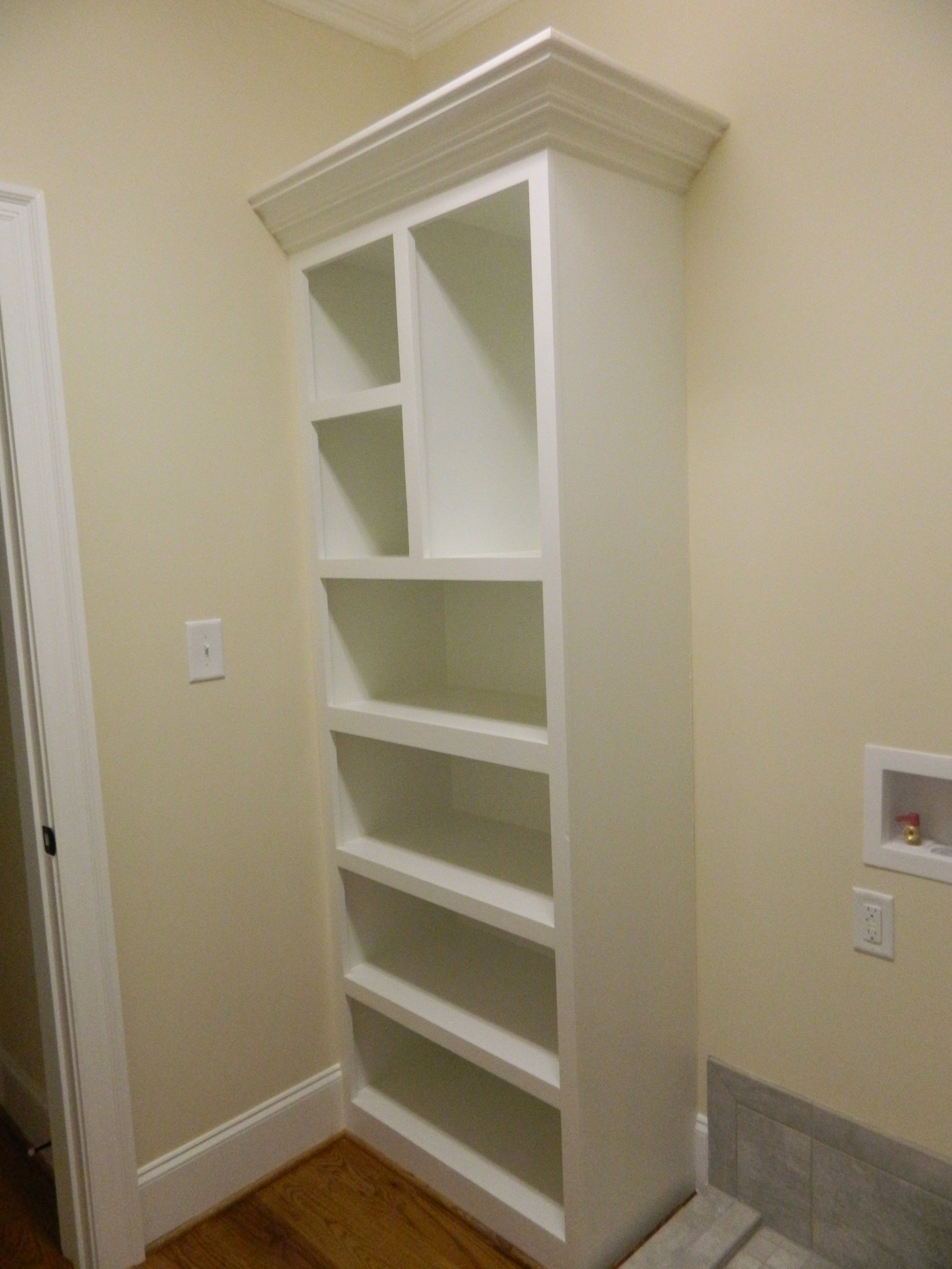 412 Thyme Pl. - Laundry Room Cabinet.JPG