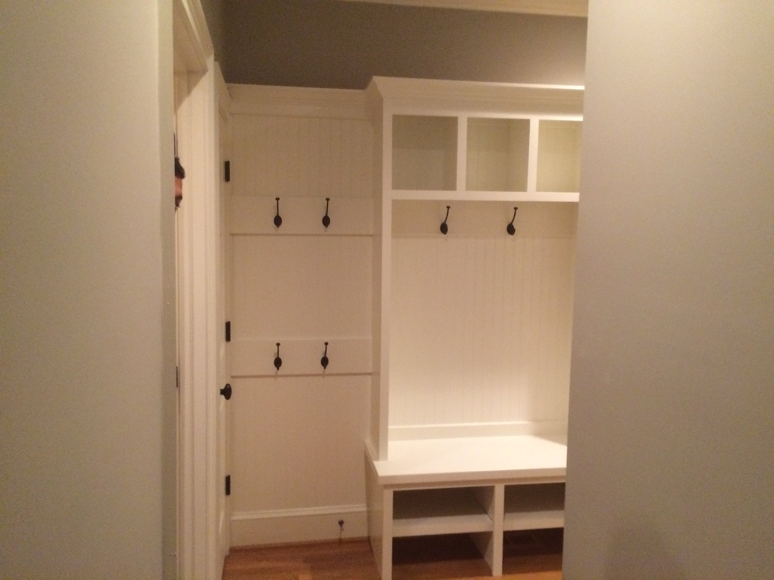 Mud Bench with Beadboard Backer, Open Cubbies, and Crown