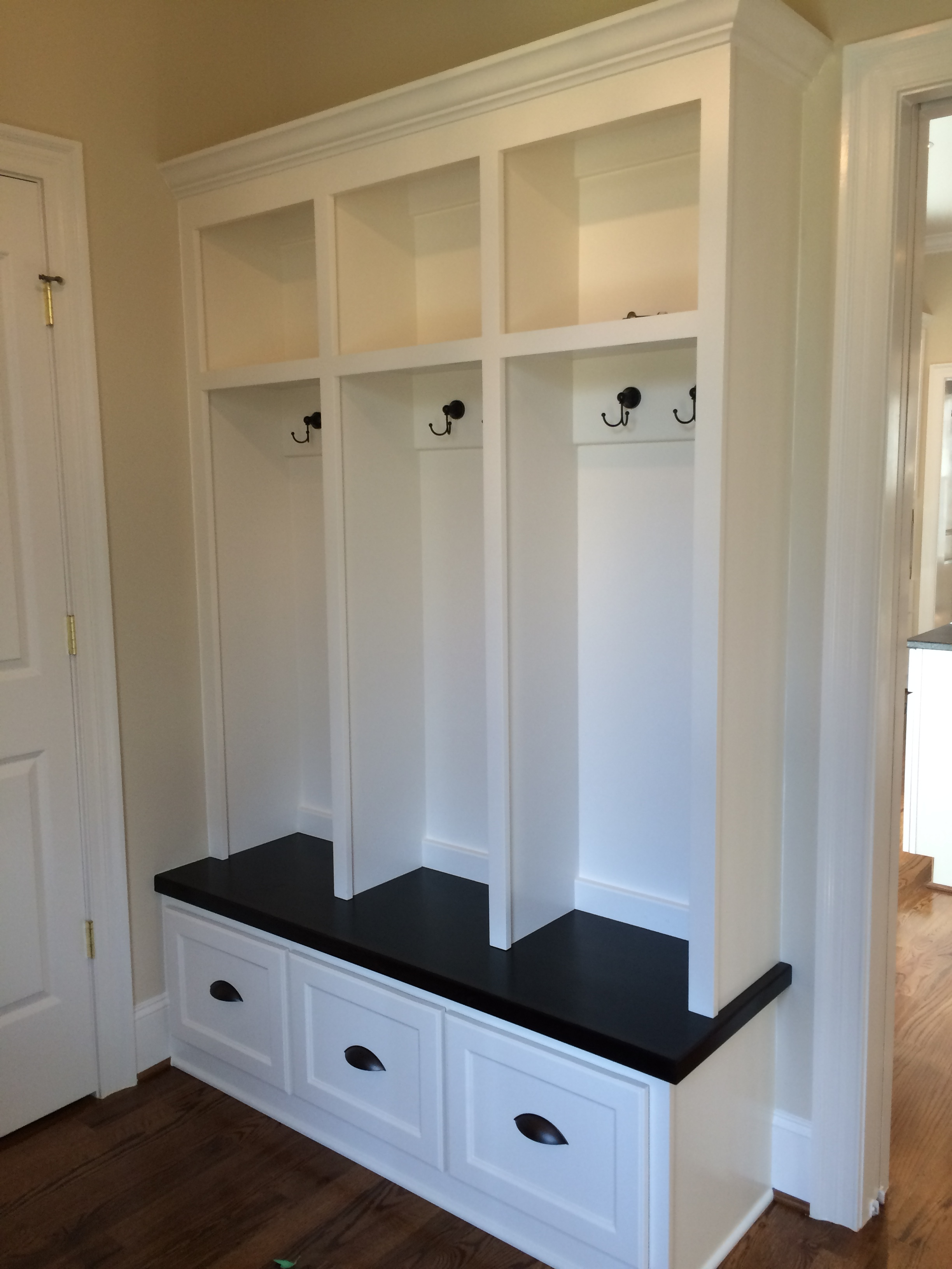 Mud Bench Locker Style with Shaker Drawers, Stain Tops, and Crown