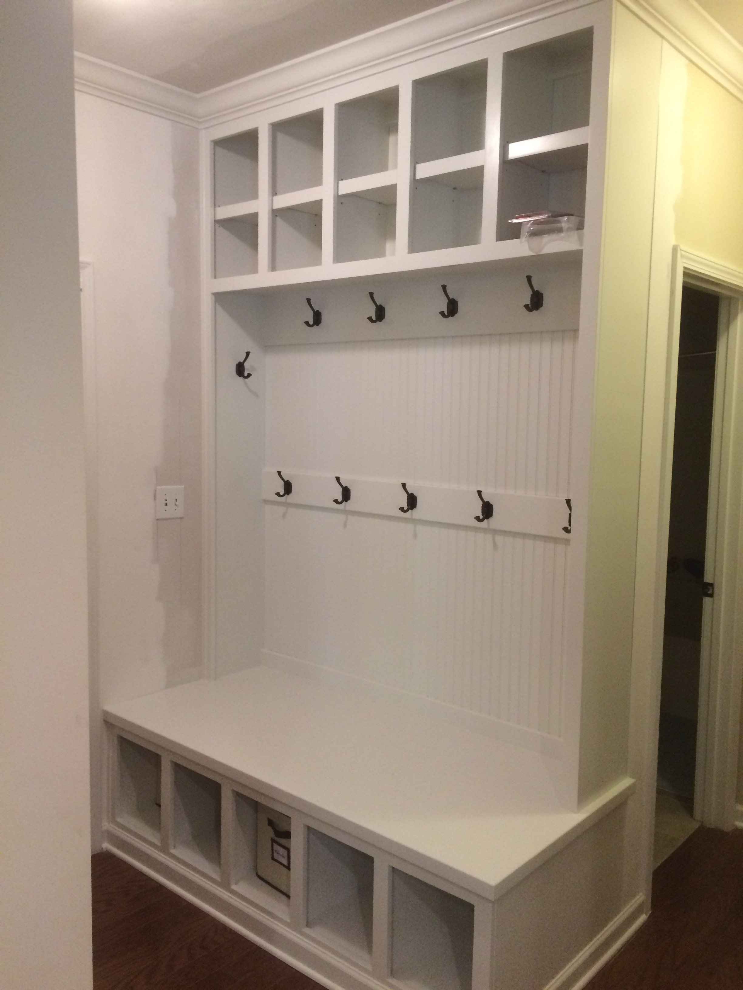 Mud Bench with Open Cubbies, Removable Shelves, Beadboard Backer, and Crown