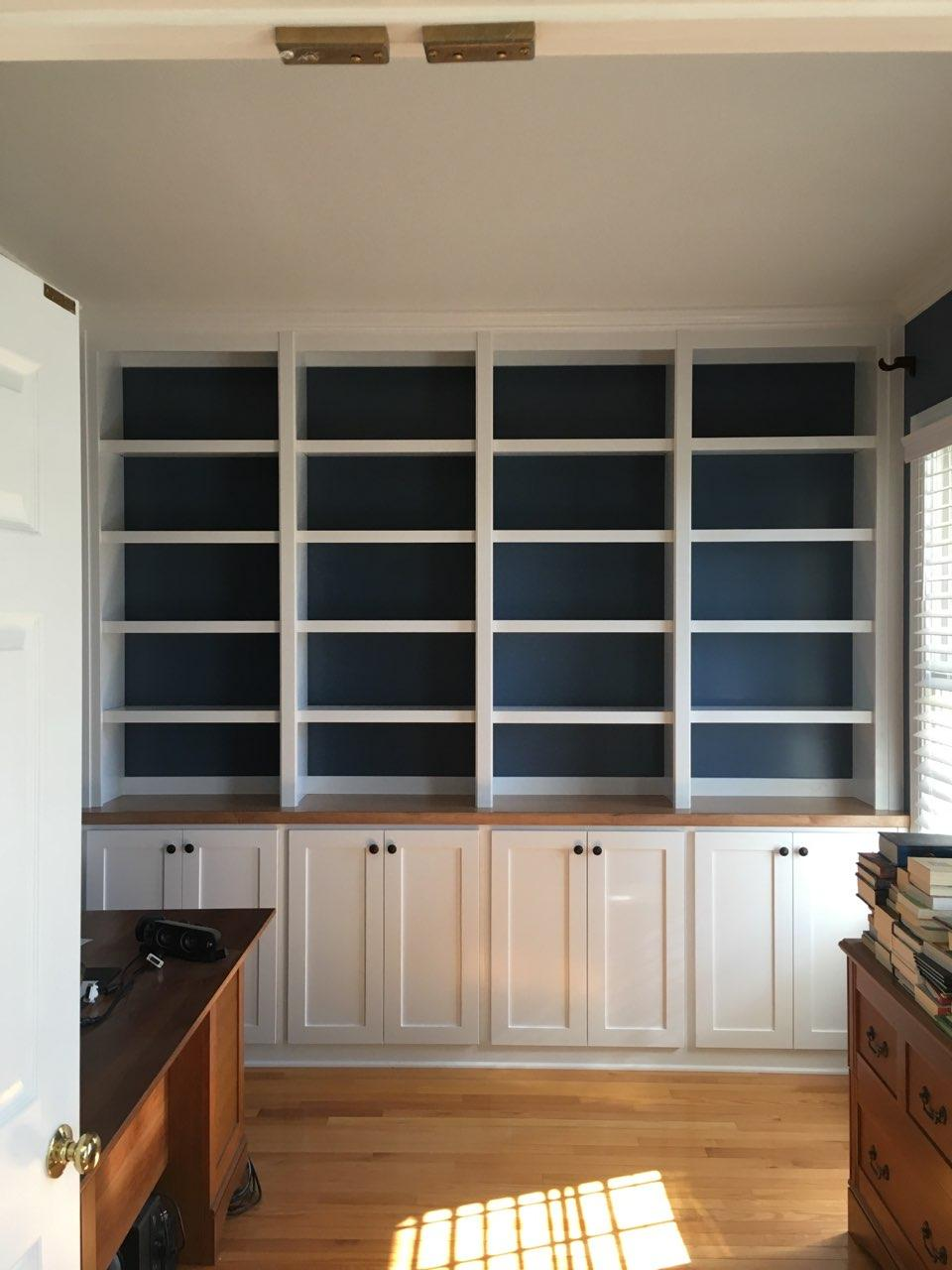 Built-In with Accent Backer, Shaker Doors, Stain Countertop, and Crown