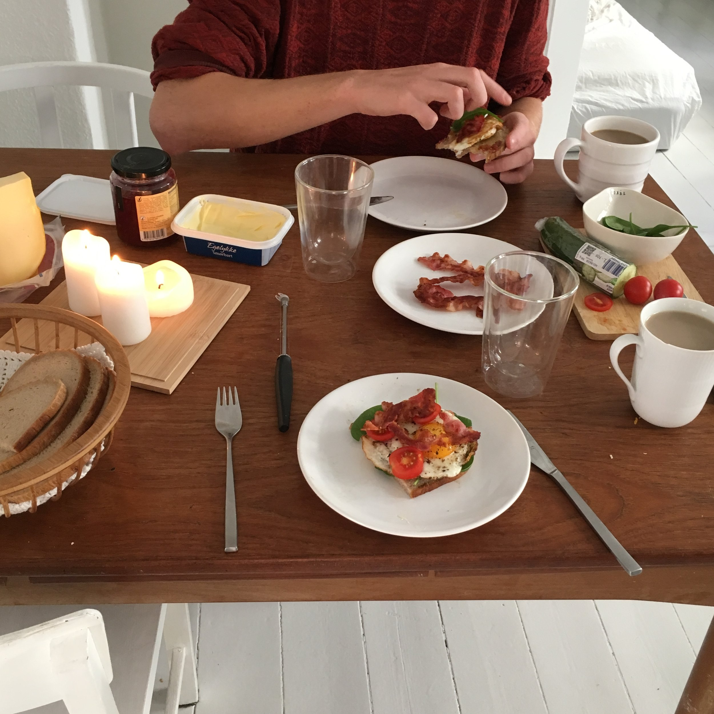 The first weekend where we didn't have a thing to do. We celebrated with a nice brunch and good music!