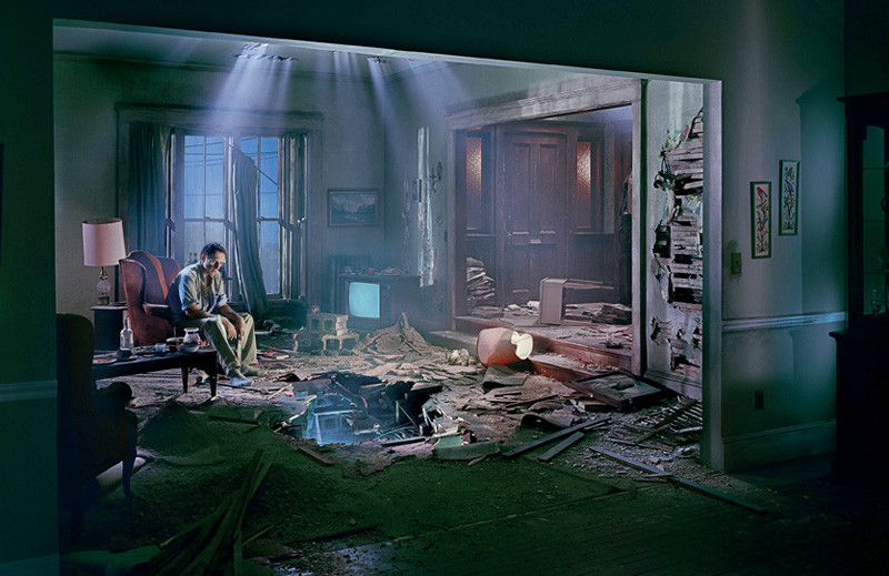 031-gregory-crewdson-theredlist.jpg
