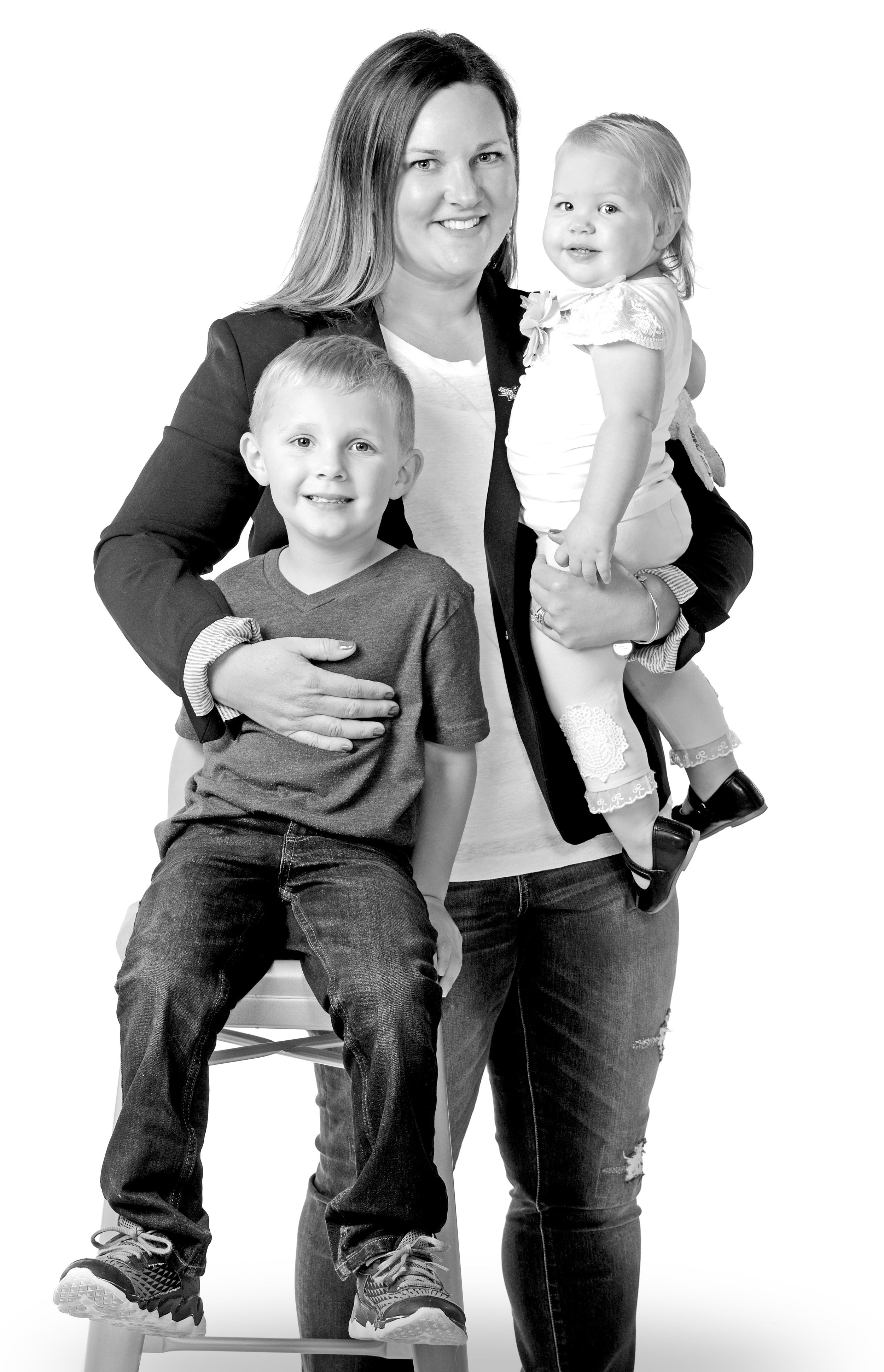 Andie with her children