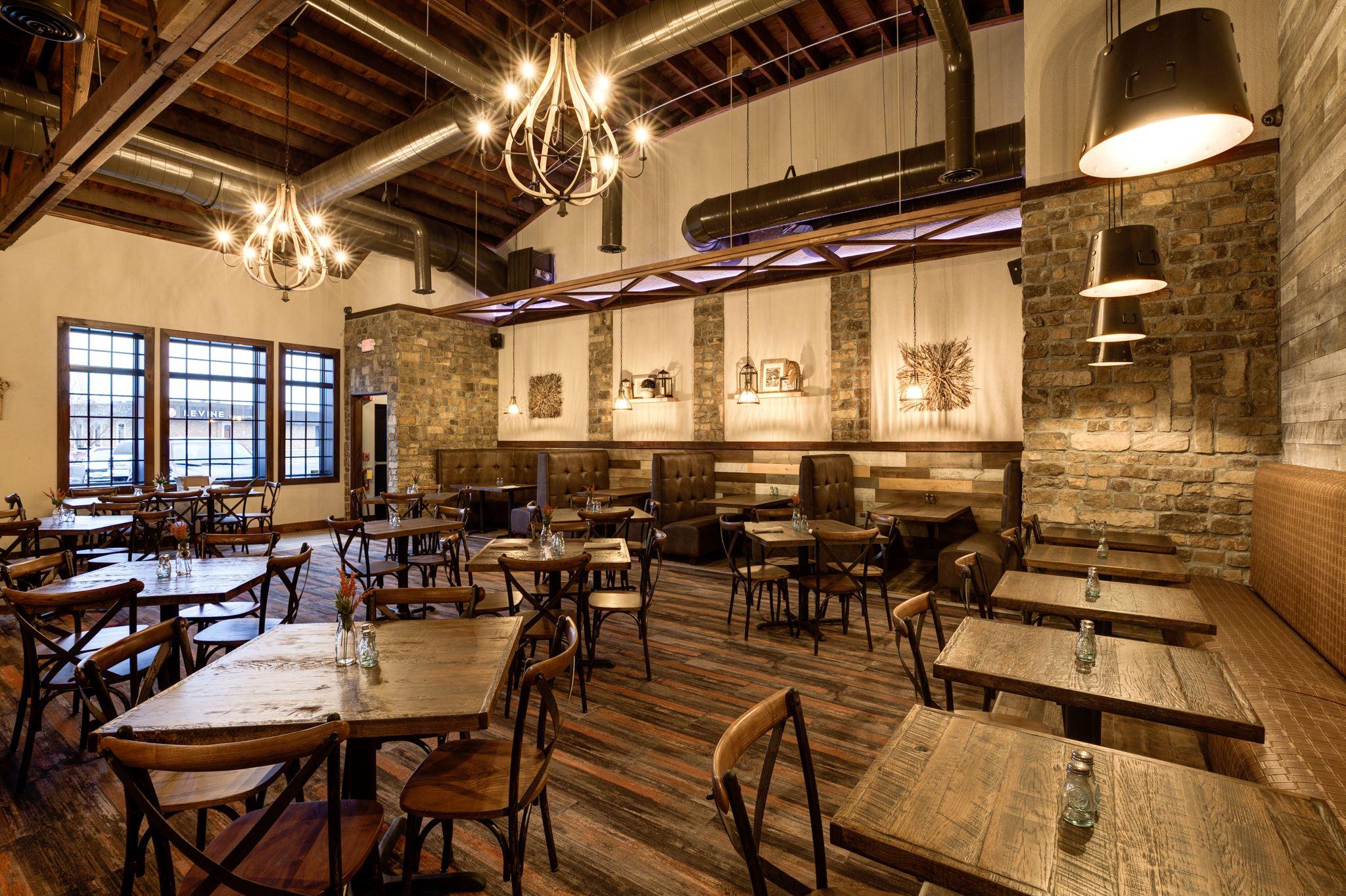 maggies tavern dining 2.jpg